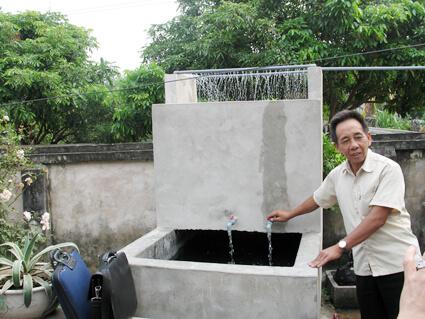 Cách xử lý nước giếng khoan có mùi hôi và nổi váng