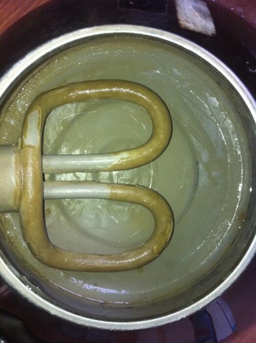 Dấu hiệu nước bị nhiễm canxi và cách xử lý