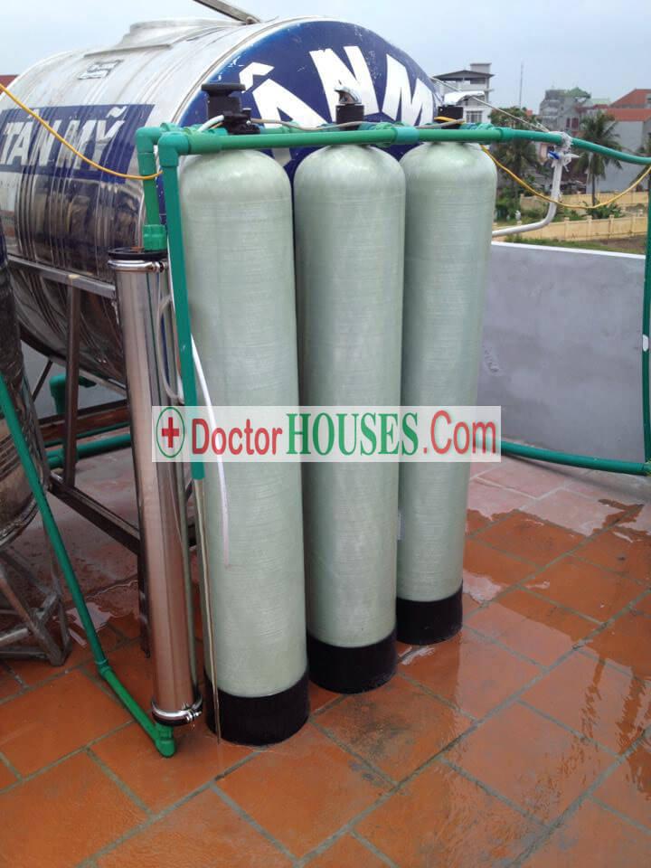 Hệ thống lọc tinh. nước cấp từ bể ngầm qua hệ thông vào bồn chứa sử dụng