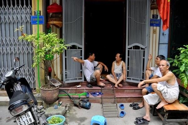 Mất nước, hàng ngàn người dân Mỗ Lao phải dùng nước giếng khoan