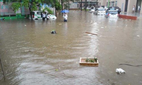 Hà Nội: Ngập chìm trong nước bẩn và Nguy cơ nước sinh hoạt bị ô nhiễm