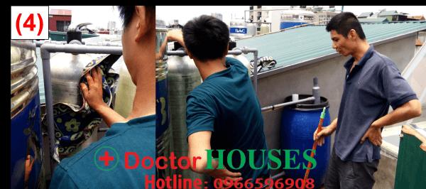 Nhân viên kỹ thuật lau dọn, vệ sinh cột lọc và Hướng dẫn khách hàng cách sục rửa vật liệu