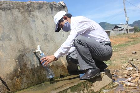 Cách lấy mẫu nước xét nhiệm cho kết quả chính xác