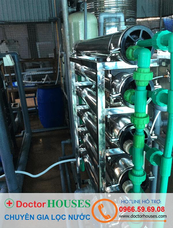 Hệ thống màng lọc RO sản xuất nước tinh khiết