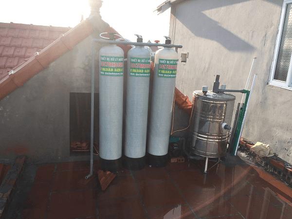 lọc nước giếng khoan gia đình nhiễm sắt màu vàng