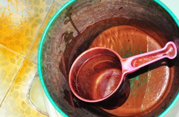 TPHCM: Gần 50% mẫu nước giếng khoan nhiễm bẩn