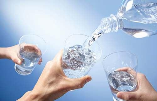 Bật mí cách uống nước đúng cách
